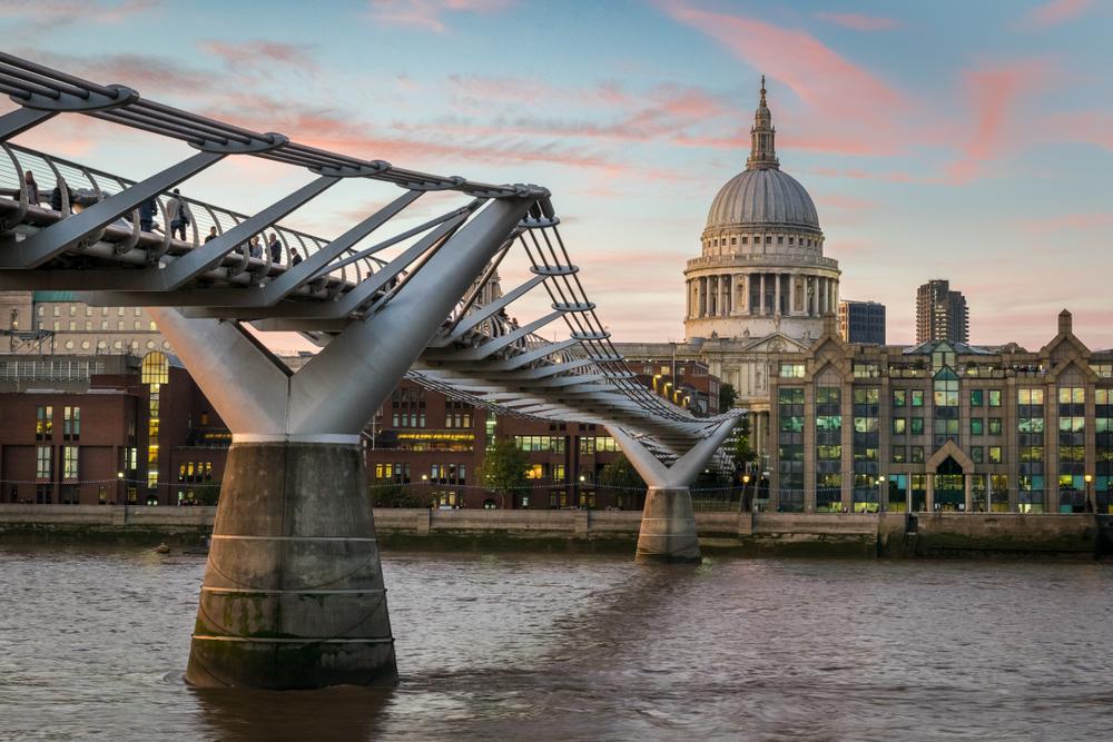 Le pont du Millenium, Londres, Royaume-Uni