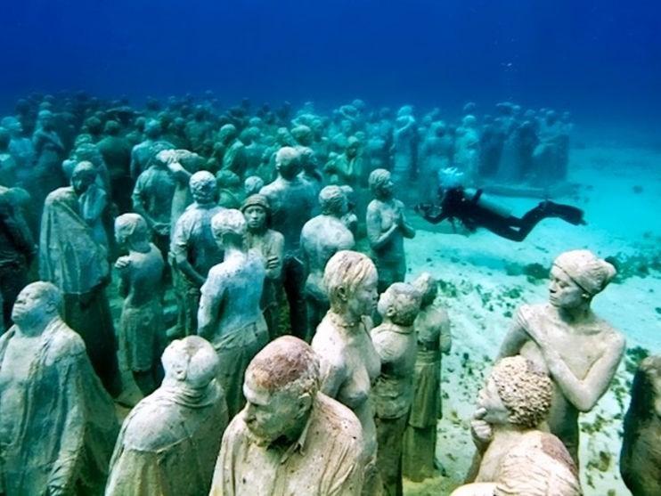 Le musée sous-marin de Cancún au Mexique