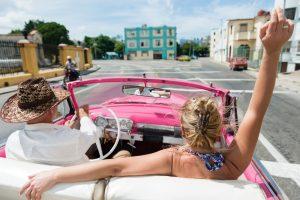 Un couple à la Havane à Cuba