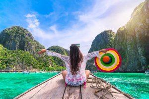 Jeune femme à Phuket